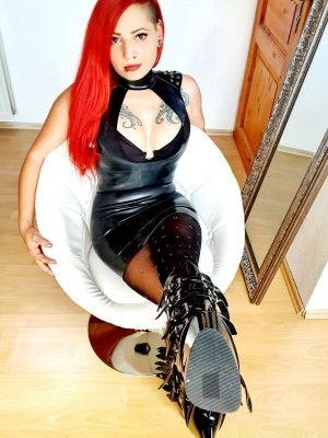 Lady Rockabella